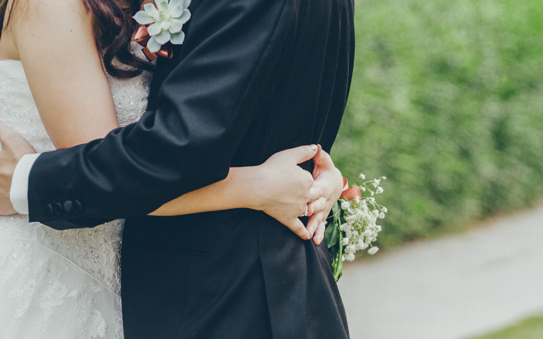 "8 Questions to ask your partner before saying ""I DO"""